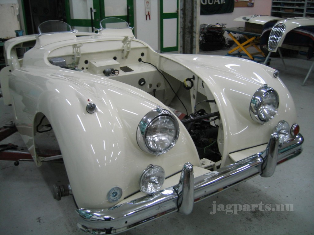 XK140 MC Lackad 002